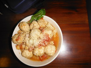 Chicken Meatballs in Tomato Pasta